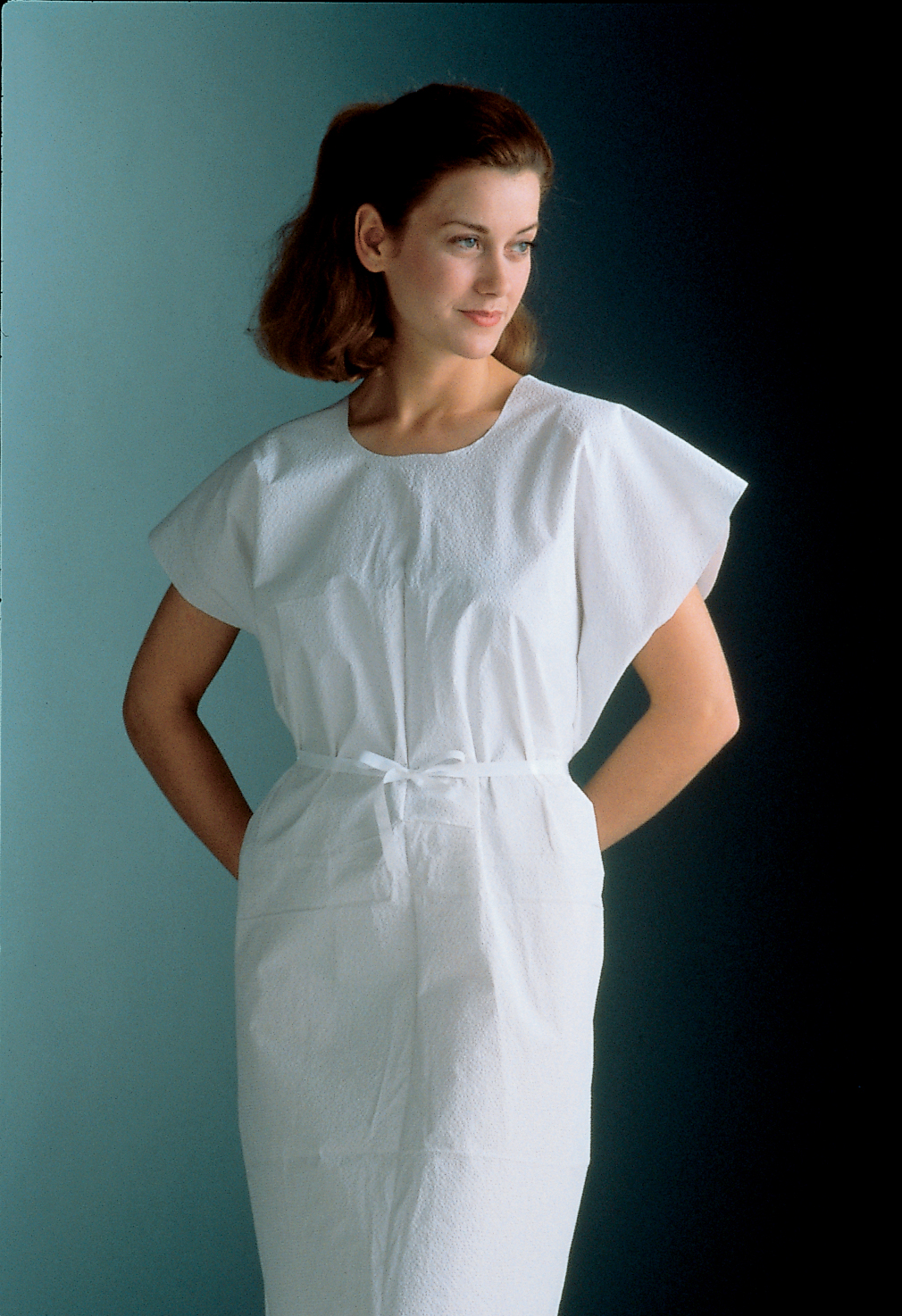 Exam Gowns, 3-Ply Tissue, 32″ x 42″; Blue; (50) Gowns/Case – MedQuip ...